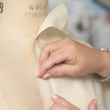 HANDS PINNING DRESSFORM-1